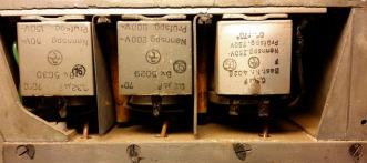Der Becherelko (Nr. 50) des Audion (rechts) ist aufgebläht.